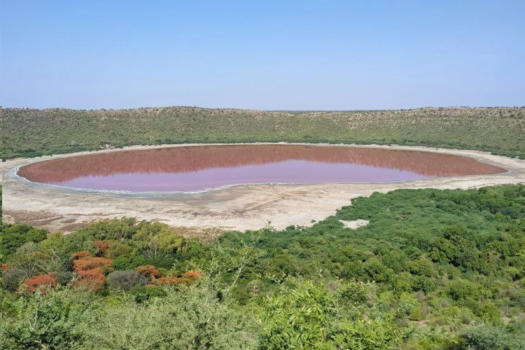 метеоритное озеро