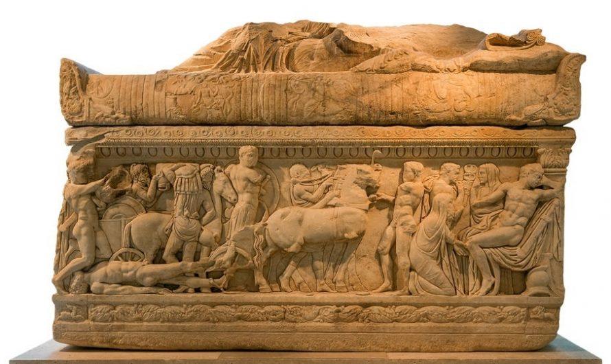 В Турции обнаружили саркофаг с Медузой Горгоной
